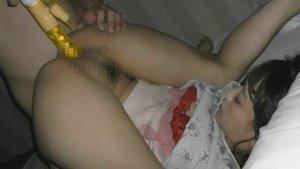 玩具でヒクヒク痙攣した美熟女マンコが生チンポ白濁汁注入で白目絶頂 ▶6:10